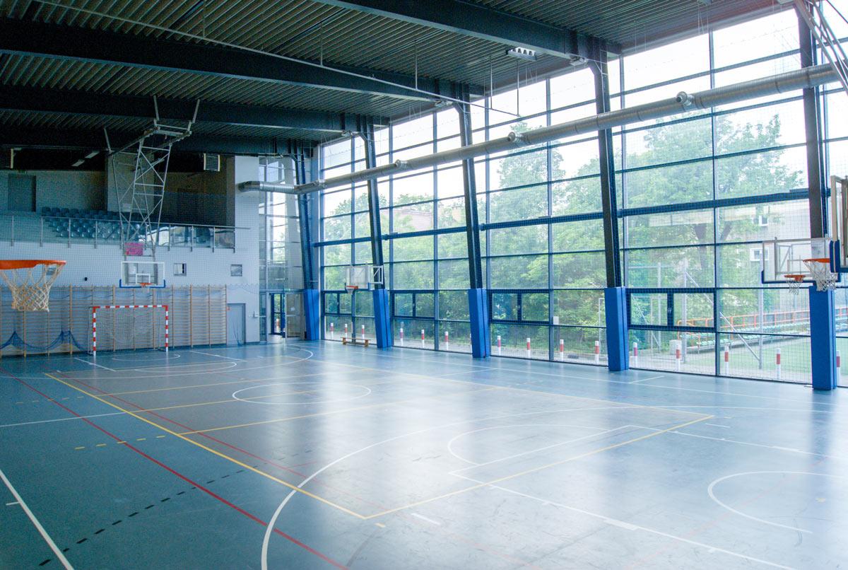 Zdjęcie parkietu na hali sportowej I LO w Chrzanowie