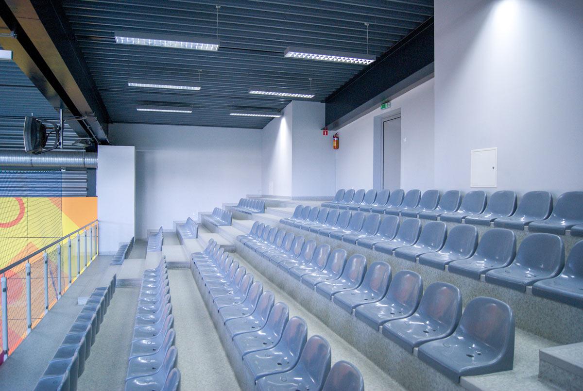 Zdjęcie trybun w hali sportowej I LO w Chrzanowie